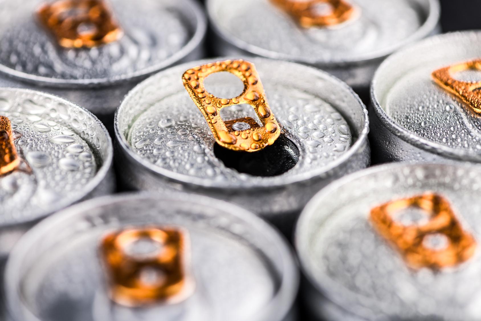 Energy Drinks: Gesundheitsrisiko für Vieltrinker ...