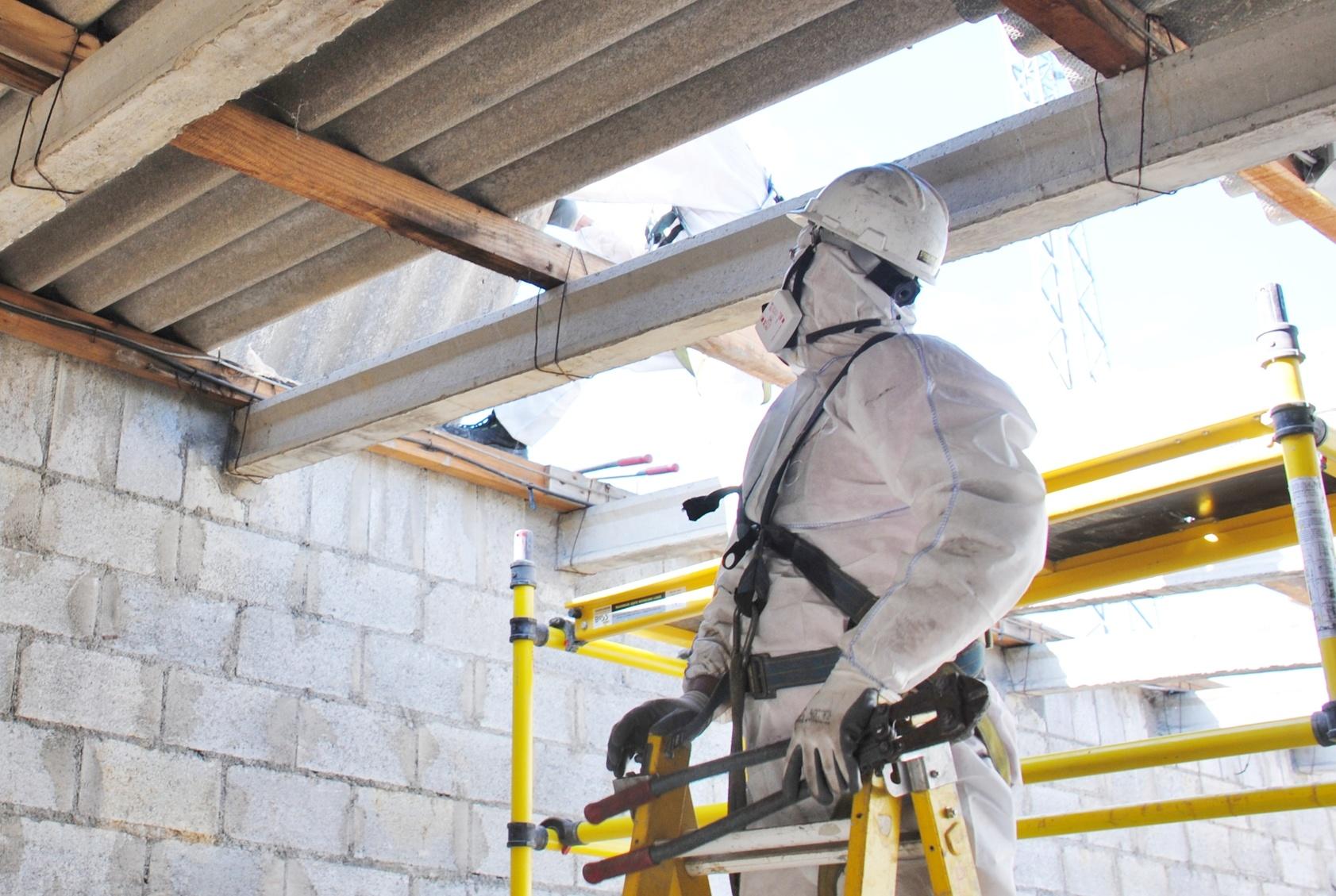 Asbest: gefährlich und immer noch aktuell  Verbraucherzentrale.de