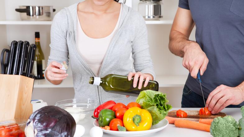 Zubereitung Salat In Der Küche